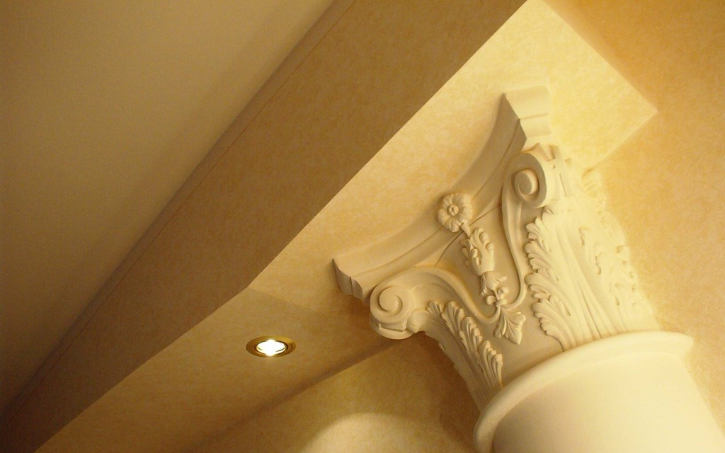 Slide-Stucchi in Gesso - Colonna su architrave in cartongesso